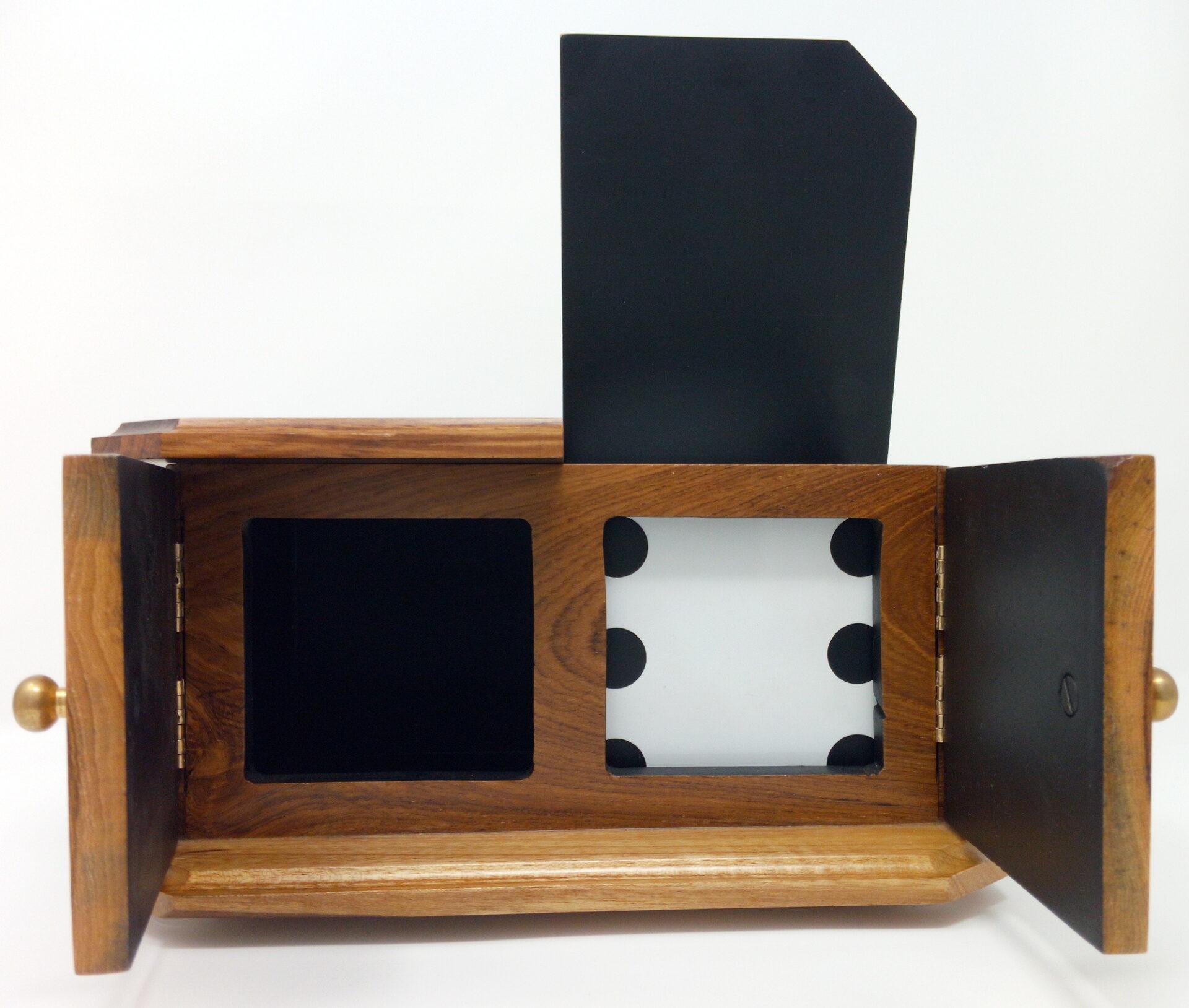 >Die Box Teak